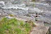 Trutnované v sobotu uklízeli koryto řeky Úpy.