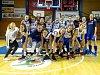 UŽ NESMĚLE POKUKUJÍ! Mladší žákyně trutnovské Lokomotivy mají účast v extraligové nadstavbě na dosah. Lepší jsou letos v jejich ligové skupině pouze dva týmy z Hradce Králové.