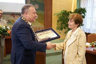Zdislava Holomíčková převzala Kulturní cenu města Trutnova.