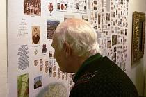 """VÝSTAVA PŘEDKOVÉ A POTOMCI z rodokmenu """"Otce Krkonoš"""" Prospera Piette potrvá v žacléřském Městském muzeu do konce března."""