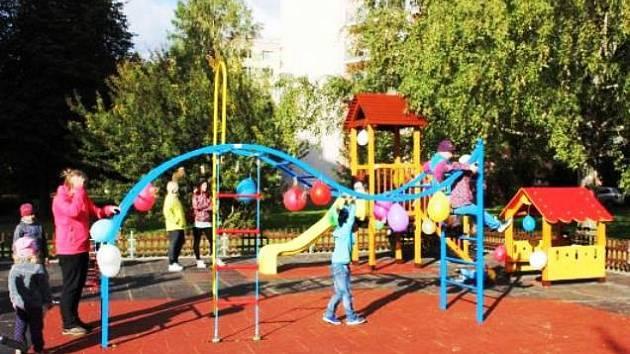Na opravy dětského hřiště si vybrali lidé peníze i mezi sebou