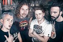 LAFF V NOVÉ SKUPINĚ. Od prosince hraje Vaclaff Vaňura ve skupině zakázanÝovoce, kde nahradil kytaristu Mejdla z původní sestavy, která hraje už od roku 2005.