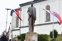 Napočtvrté ve Studenci. Sochu T. G. Masaryka třikrát slavnostně odhalovali, vždy 28. října. Třikrát byla odstraněna. Od neděle mají v obci novou.