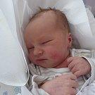 JIŘÍ VOŠVRDA se narodil 3. prosince v 10.25 hodin v Trutnově rodičům Jiřímu a Lence Vošvrdovým. Vážil 3,25 kilogramu a měřil 52 centimetry. Rodina bydlí v Trutnově.