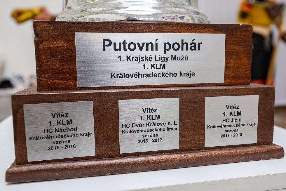 Ve Staré radnici probíhá výstava 100 let hokeje ve Dvoře Králové.