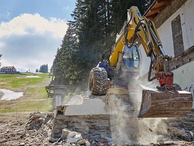 EXPRESSY HOFMANKY A ZAHRÁDKY budou lyžařům SkiResortu plně k dispozici již od nastávající zimní sezóny.