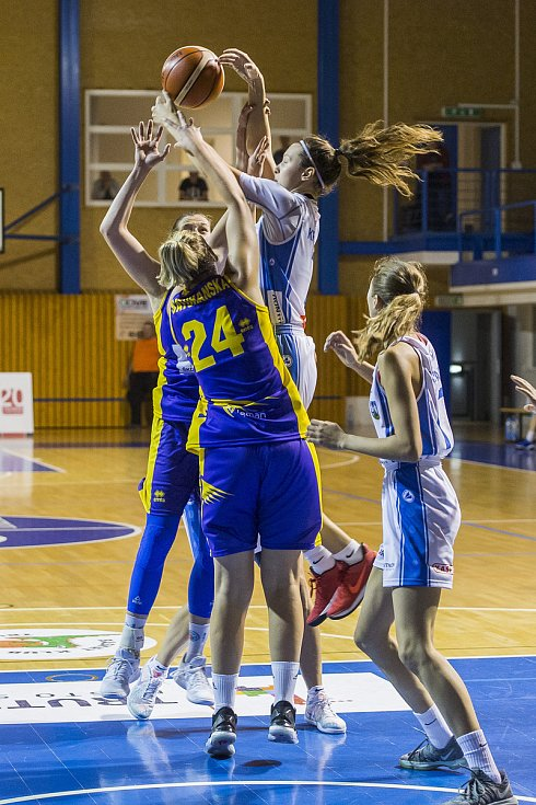 Ženská basketbalová liga: BK Loko Trutnov - Slovanka MB 86:70.