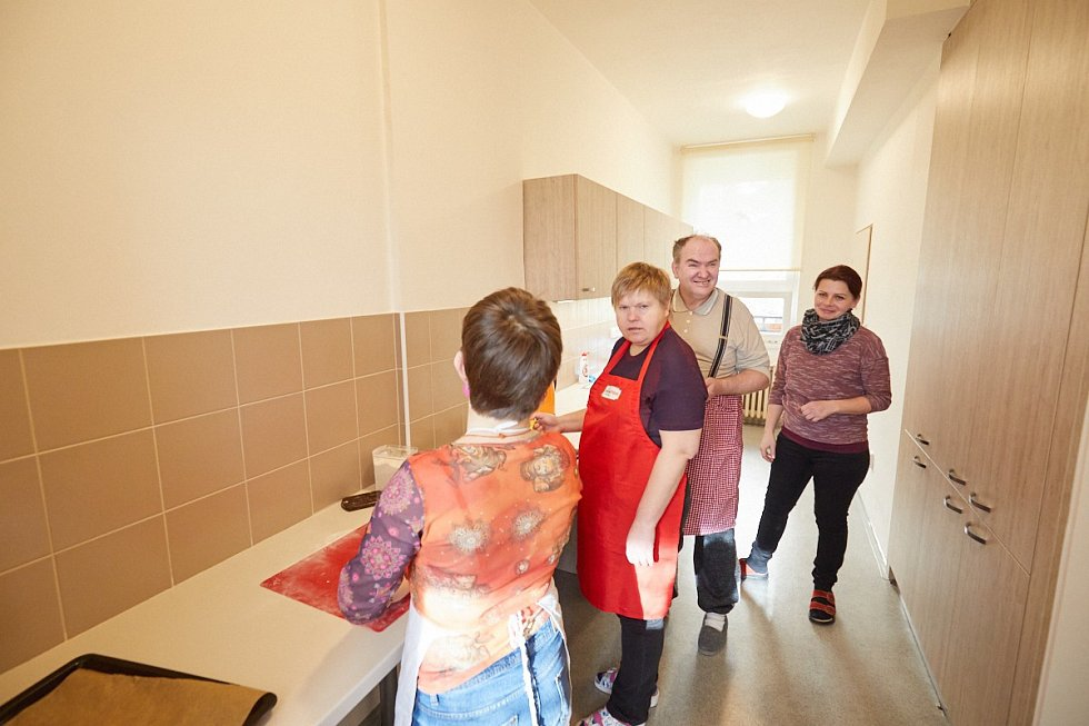 Půlroční rekonstrukce prostor v Náchodské ulici proměnila trutnovský stacionář v moderní zařízení s novými odděleními.