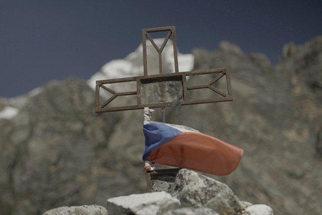 Vrchlabský horolezec Radoslav Groh zdolal sMarkem Holečkem vperuánských Andách šestitisícovou horu Huandoy. Jako první vytyčili zcela novou cestu na vrchol.