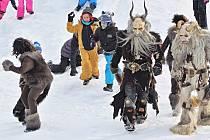 Děti se porvaly o Mladé Buky s alpskými čerty.