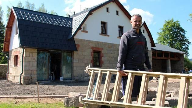 Štěrbova vila na přehradě Les Království
