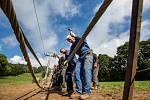 Rakouský expert pletl ocelové lano na nové černodolské lanovce