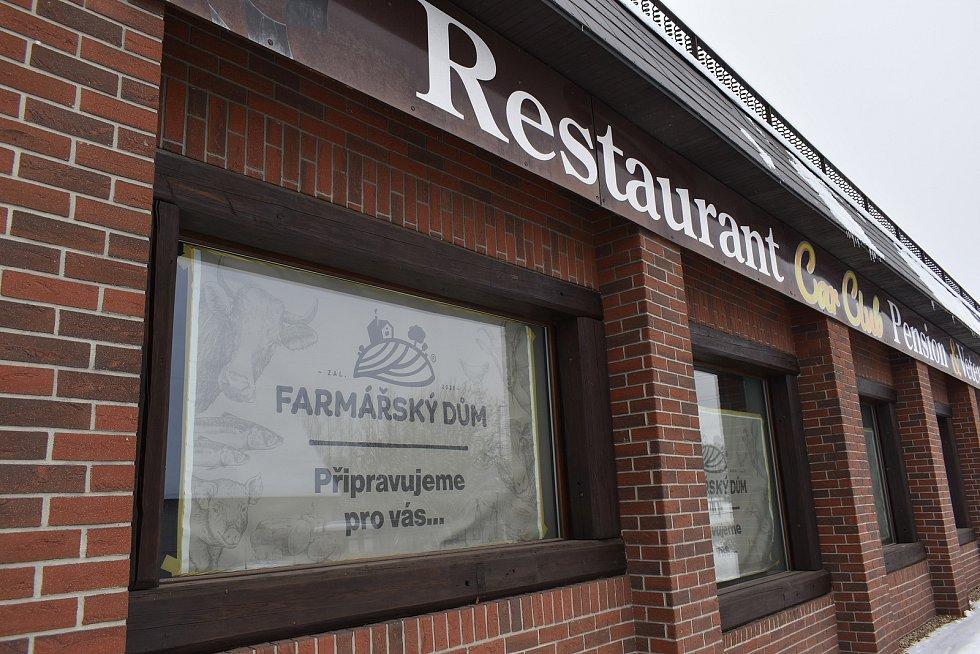 Ve Vrchlabí v Car Clubu vzniká Farmářský dům. Budou v něm automaty na maso i ryby.
