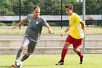 Fotbalisté Vrchlabí (Ve žlutém)
