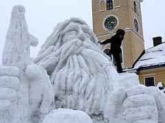 Jilemnické náměstí zdobí opět sněžný Krakonoš