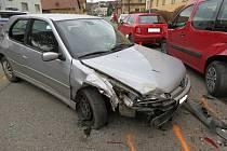Když řídí opilec, ničí se auta. Motorista se čtyřmi promile má na svědomí nedávný karambol čtyř aut ve Rtyni v Podkrkonoší.