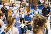 Správnou taktiku na soupeře z ŽBL si může trenér Michal Martišek zatím ponechat v šuplíku.