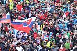 Světový pohár ve Špindlerově Mlýně přilákal bezmála deset tisíc fanoušků. O výbornou atmosféru se starají hlavně Slováci.