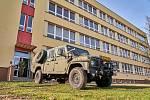 Armáda v Trutnově. Vojáci, kteří pomůžou policistům střežit hranice s Polskem, se usídlili v ZŠ Mládežnická v Trutnově.