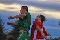 Postup v poháru slaví jak hráči Volanova (v červeném), tak Rtyně.