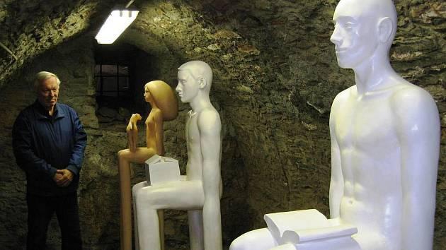 NEVŠEDNÍ EXPOZICE. Výstavu soch z tvorby významného výtvarníka Michala Gabriela mohou diváci zhlédnout v trutnovské galerii do 12. června.