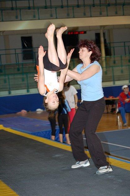 Mistrovství republiky v gymnastice, Ostrava, kde získalo družstvo Královédvoraček stříbrné medaile