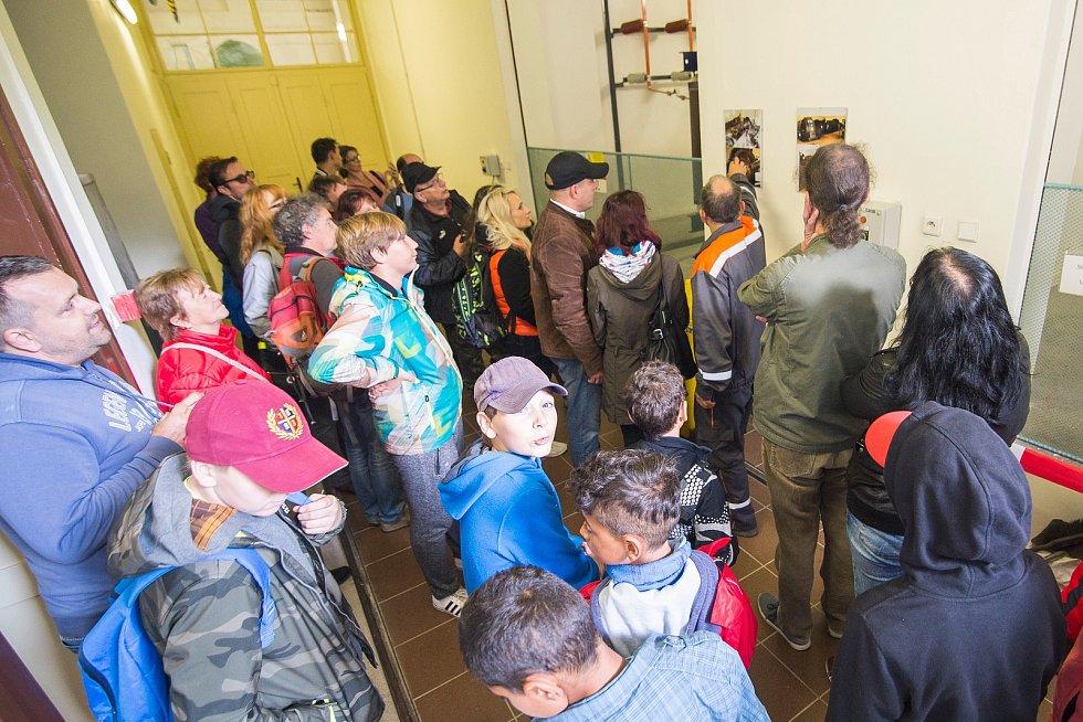Přehrada Les Království letos slaví 100 let. Den otevřených dveří přilákal řadu zájemců.