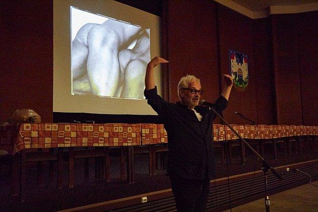 Fotograf Robert Vano v Trutnově - při vernisáži výstavy Od Sahary po Himaláj a při besedě.