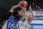 Utkání 10. kola Ženské basketbalové ligy: SBŠ Ostrava - BK Loko Trutnov, 5. prosince 2018 v Ostravě. Na snímku (zleva) Rylichová Anna, Šmeráková Eva.