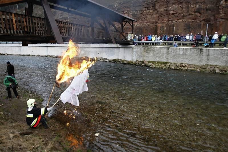 Smrtku odnesla řeka, jaro ale vyčkává