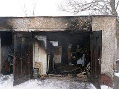 Požár kůlny ve Rtyni v Podkrkonoší