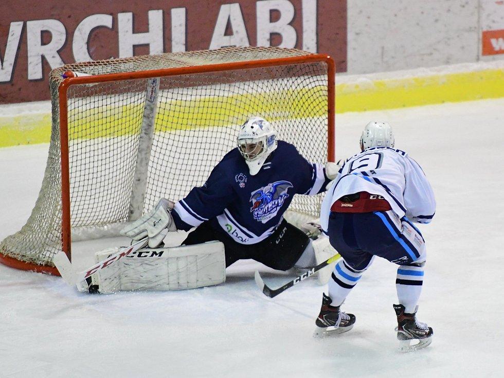 Vrchlabští hokejisté v prestižním podkrkonošském derby nedali rivalovi žádnou šanci.