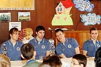 Fotbalisté Hradce navštívili Dětský diagnostický ústav v Plotištích