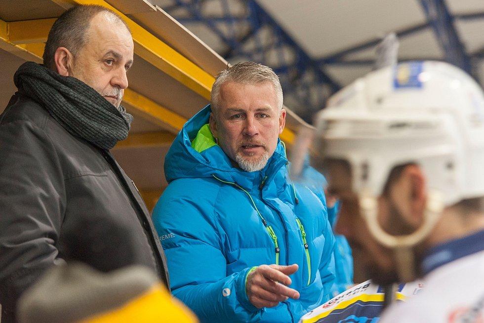 V sobotu se na královédvorském zimním stadionu pod Hankovým domem hrálo již sedmé podkrkonošské derby této sezony. Zásluhou dvou branek z úplného konce zápasu se z vítězství 4:2 radoval hostující Trutnov.