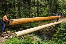 Od víkendu je znovu otevřený turistický chodník z Obřího dolu do Modrého dolu v Krkonoších, Správa KRNAP tam postavila nový mostek.