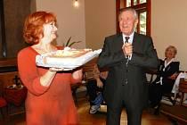 S gratulací přišla i Carmen Mayerová a Petr Kostka
