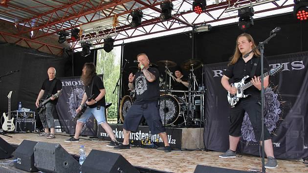 Rock a metal ovládly Pilníkov. NadějeFest pomáhal.