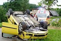 POŽÁR, který vznikl v prostoru motoru, uhasili před příjezdem hasičů svědkové nehody.