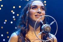 Zpěvačka Kamila Nývltová se nemohla letos věnovat zpěvu, a tak se rozhodla začít péct. Své výrobky vyrábí pod svoji vlastní značkou.