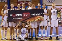 V ROLI OBHÁJKYŇ TROFEJE přijely pod Krkonoše bojovat o co nejlepší umístění basketbalistky Naděždy Orenburg, třetího nejlepšího celku loňského ročníku ruské ligy a účastnice Euroligy.