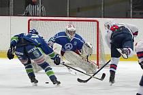 Hronovští hokejisté do tabulky II. ligy připisují další bodík.