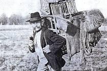 Klece s ptáky visely téměřv každé krkonošské chalupě