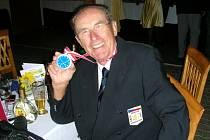 NA SKLONKU KARIÉRY se může Bohumír Stránský pochlubit stříbrnou medailí z mistrovství Evropy v Rakousku.
