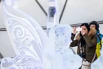 Ledárium s ledovými sochami na téma Čtvero ročních období na horní stanici lanovky u sjezdovy ve Špindlerově Mlýně ve Svatém Petru.