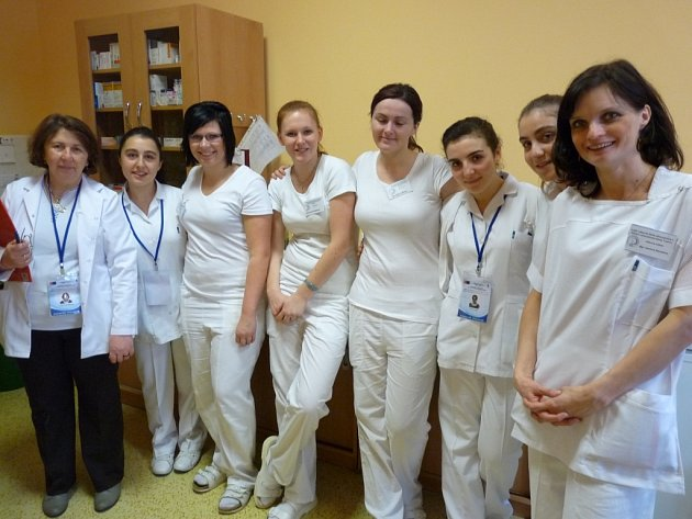 Turecké studentky v trutnovské nemocnici.
