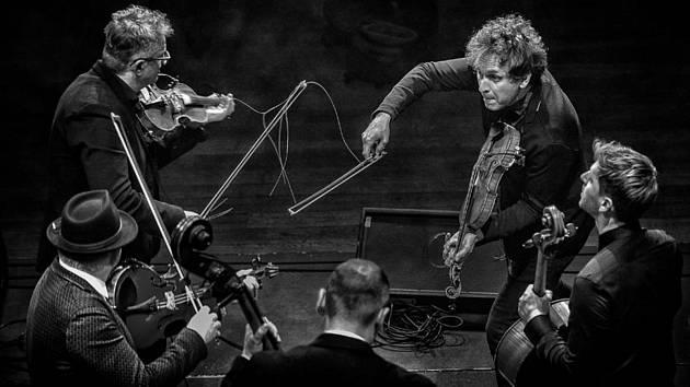 Volosi. Vítězný snímek Jazz World Photo 2019. Autor ho pořídil při festivalu Jazzinec.