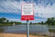 Vrchlabský Kačák byl letos zařazen mezi koupací vody. Zda bude voda vhodná ke koupání, určí její pravidelné rozbory. Hygienici budou odebírat vzorky každé dva týdny.