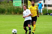 SPOUSTU ŠANCÍ promarnili v duelu s Lázněmi Bělohrad fotbalisté Bílé Třemešné. Jednu zahodil Patrik Macek (č. 5).