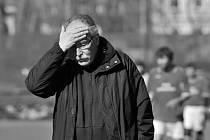 Mostecký fotbal se loučí s dlouholetým trenérem.