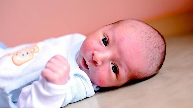 FILIP se narodil 31. prosince ve 14.07 hodin rodičům Andree a Petrovi. Vážil 3,25 kg a měřil 49 cm. Rodina bydlí v Mostku.